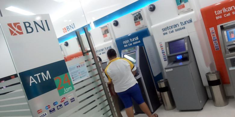 cara mengetahui jumlah saldo tabungan BNI melalui ATM
