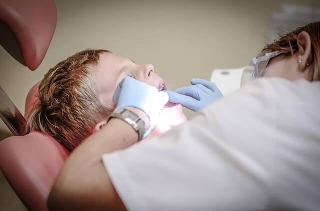 jadwal dokter gigi siloam tb simatupang